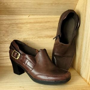 Clarks Bendables Bootie Brown Leather Side Zip